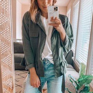 Olive green cargo lightweight jacket